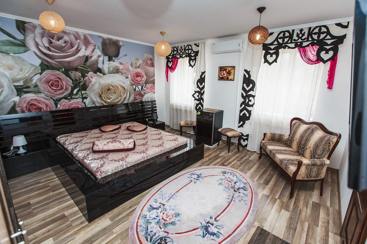 """Свадебный номер гостиницы """"Славянская хата"""""""